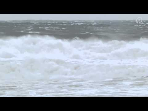 Huge Waves In Catarman, Northern Samar Due To Typhoon Hagupit video
