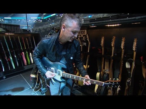 Pearl Jam's Mike McCready Takes You Backstage at NYC's ...