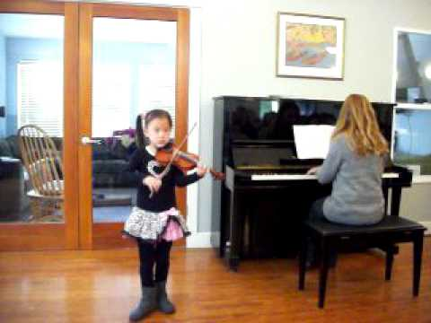 Laura plays Vivaldi violin concerto in A minor (1st movement)