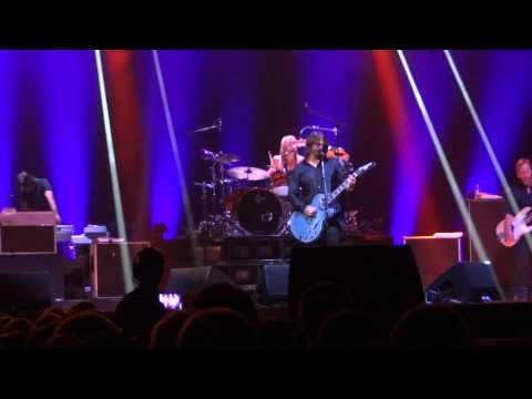 Foo Fighters - Skin and Bones - Live @ Sprint Center 9/16/2011
