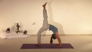 Advanced Yoga Demonstration of Chakrasana