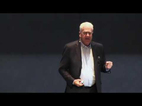 Geoffrey Moore - Zone To Win - Hitachi seminar 2019