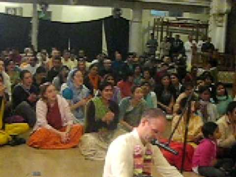 Sri Prahlad Das Leads Kirtan At Iskcon Toronto video