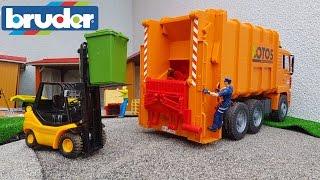 BRUDER toys GARBAGE truck at work!