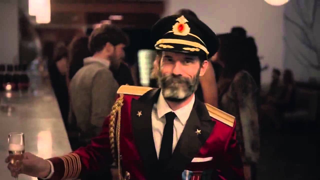 Hotels Commercial Captain Obvious At The Bar Eye