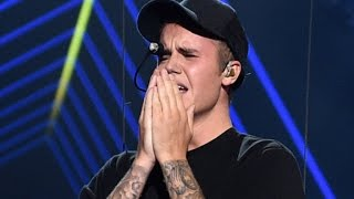 Download Lagu Justin Bieber Breaks Down In Tears On VMA Stage, Where Was Selena Gomez? Gratis STAFABAND