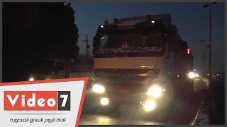 بالفيديو..النقل الثقيل يحتكر طريق