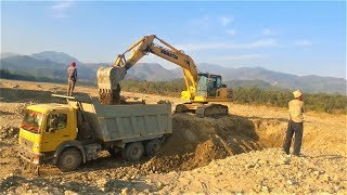 KOMATSU EXCAVATOR AMAZING WORK ON SANDY PLACE - EXCAVATOR LOADING GRAVEL IN TRUCK - DOZER VIDEO 4