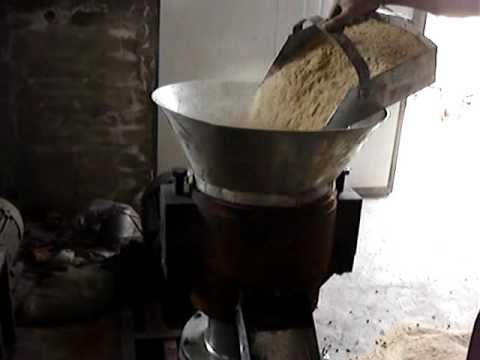 Cattle and sheep feed pellet making machine for home use