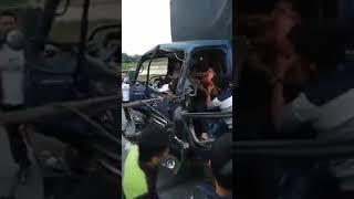 Toàn cảnh tài xế bị tông 2 lần trên cao tốc.. Khi trời phạt