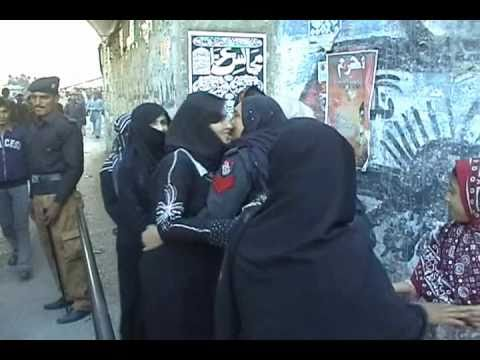 Women Meets In Tridisional Style (kissing ) During Duty  At Ladies Police Sukkur     Imran Malik video