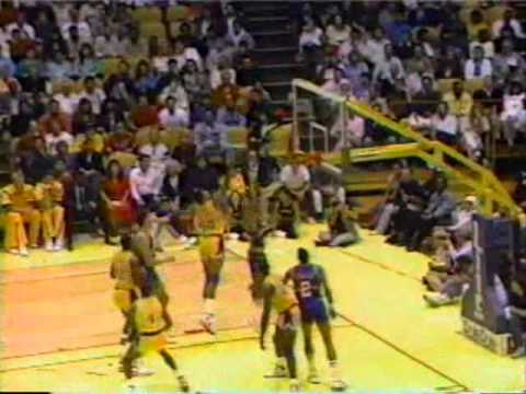 Magic Johnson (24pts/8rebs/24asts/6stls) vs. Nuggets (1989)
