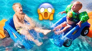 HOT WHEELS EXTREME ROLLER COASTER POOL FUN!