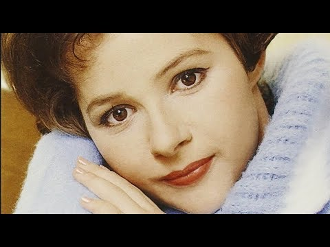 Brenda Lee - Big Four Poster Bed