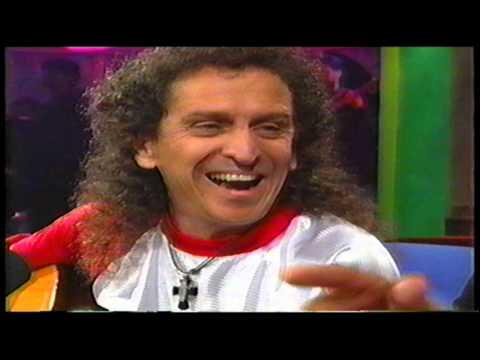 El Tri con Adal Ramones para el programa Otro Rollo (2000)