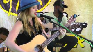 "Download Lagu ZZ Ward ""Put The Gun Down"" Live 
