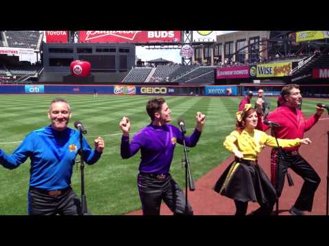 The Wiggles Do The Propeller Live At Citi Field Mets Game Mother's Day 2013
