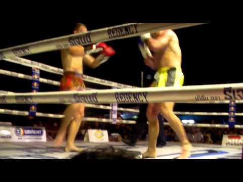 STEPHEN HODGERS vs BRIAN ROBERTSON WPMF QUEENS BIRTHDAY FIGHT SANAM LUANG BANGKOK rd3
