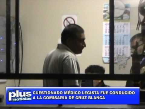 CUESTIONADO MÉDICO LEGISTA FUE CONDUCIDO A LA COMISARIA DE CRUZ BLANCA (Huacho 23/12/2013)