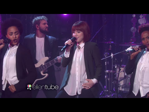 Carly Rae Jepsen Performs 'I Really Like You'