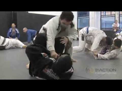 marcelo garcia rolling with big guy Image 1