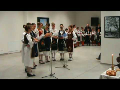 KUD Pontes Mostovi Svetosavska priredba 2010 Devojke Ko udara tako pozno.MPG