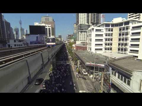 Bangkok Shutdown January 15 2014 – Skytrain and drone close call