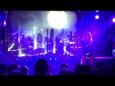 Kelsea Ballerini - I Hate Love Songs Live Metro Sydney