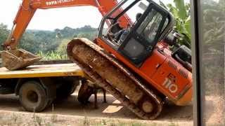 hitachi loading on lorry