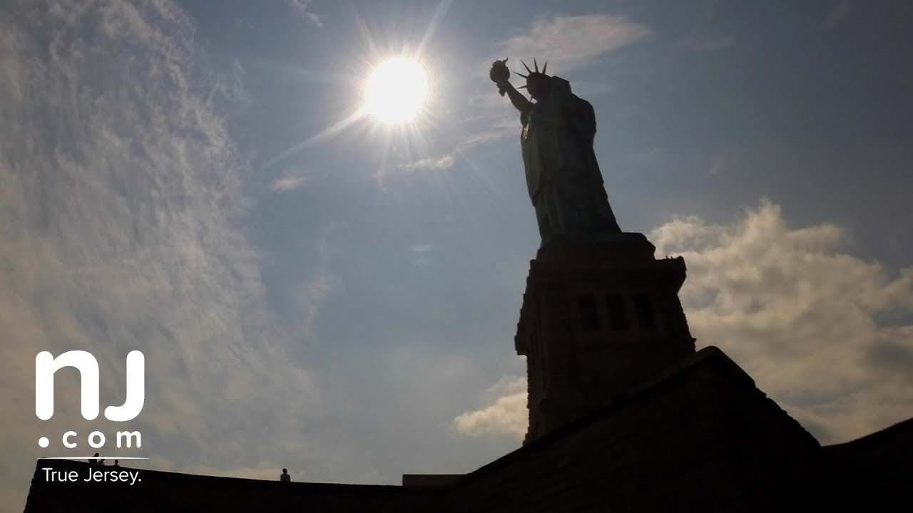 Solar eclipse 2017 time-lapse from the Statue of Liberty