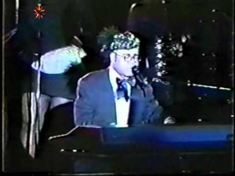 Elton John - Town Of Plenty