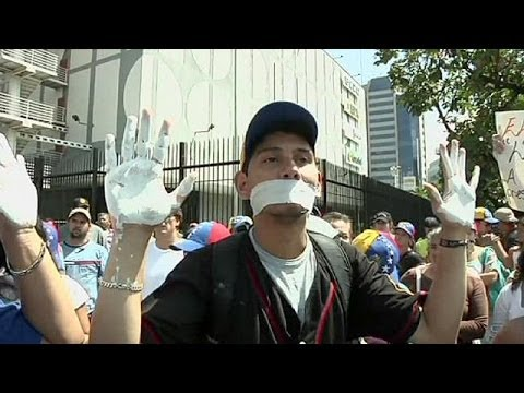 US reacts to diplomat expulsions as Venezuela protests rumble on