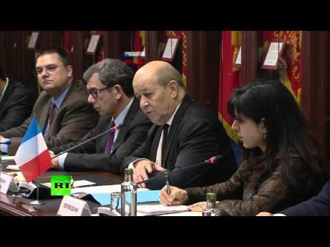 Jean-Yves Le Drian a salué la réaction des Moscovites après les attaques 13 novembre