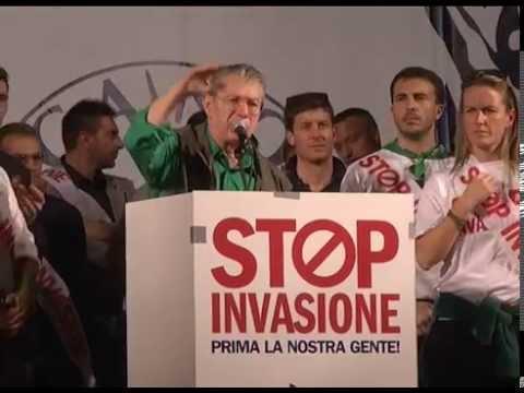 StopInvasione   Milano   Intervento di Umberto Bossi