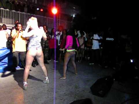 Uncle Luke Ass Shaking Contest Green Iguana 04 20 12 Part 2 video
