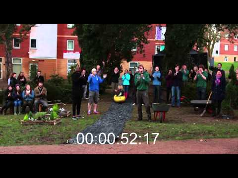 Bangor Student's Union One Minute Garden | Gardd Un Munud Undeb Myfyrwyr Bangor