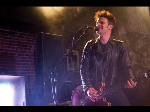 Black Rebel Motorcycle Club - Hate The Taste (Live @ Converse)