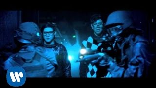 Skrillex Video - SKRILLEX + ALVIN RISK - TRY IT OUT [OFFICIAL VIDEO]