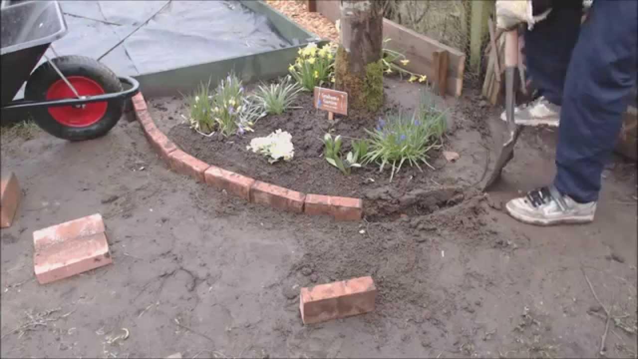 brick construction for a tree area border youtube. Black Bedroom Furniture Sets. Home Design Ideas