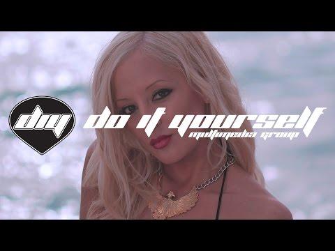 Carolina Marquez ft. Akon & J Rand Oh la la la pop music videos 2016