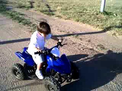 nene de tres años en cuatri