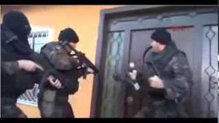Turkish special forces fighting with door :D
