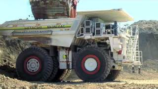Hitachi EH3500ACII mining truck