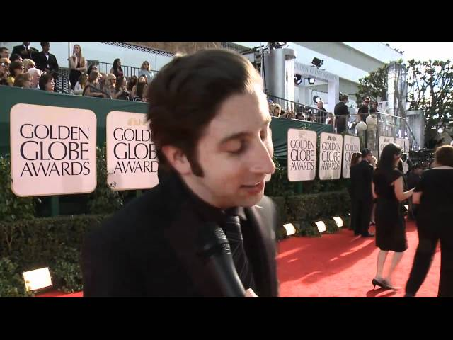 Golden Globes Red Carpet Interviews: Melissa Leo, Diane Warren, Simon Helberg