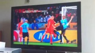 Thumb Video Uruguay – Holanda: Cáceres pateó una chilena en la cara a De Zeeuw