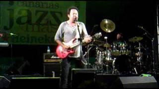 Watch Steve Lukather How Many Zeros video