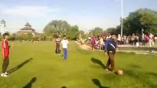 Main bola di Alun alun kebumen