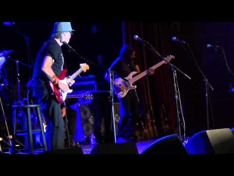 Jeff Golub performs Freddie's Midnight Dream Live