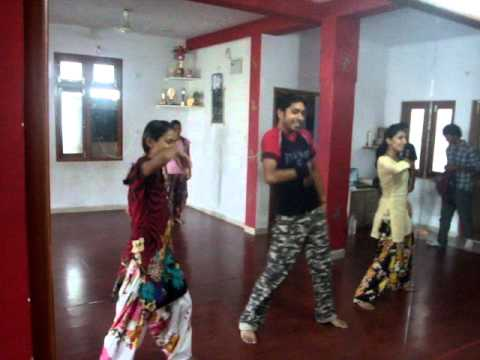 Dance On Angreji Beat & Baned Jawani Songs video