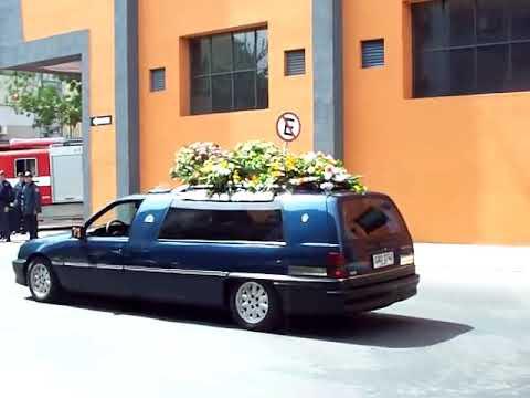 Bomberos, partida del cortejo fúnebre desde el Cuartel Centenario, Montevideo-Uruguay.